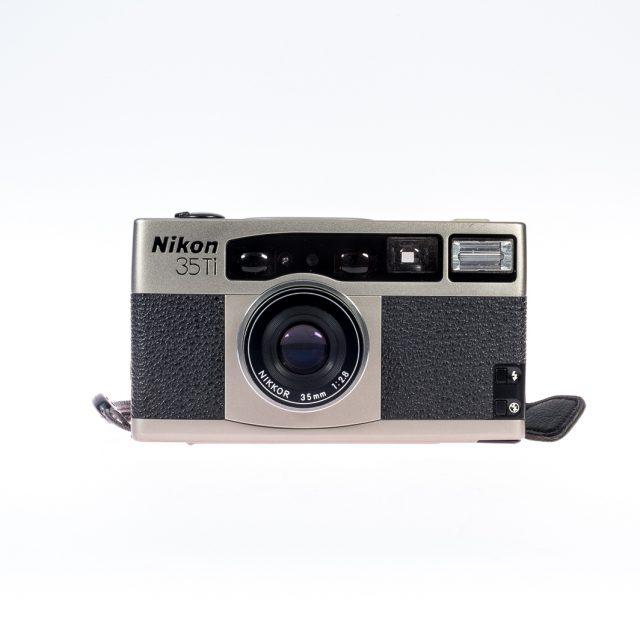 100977-Nikon 35Ti